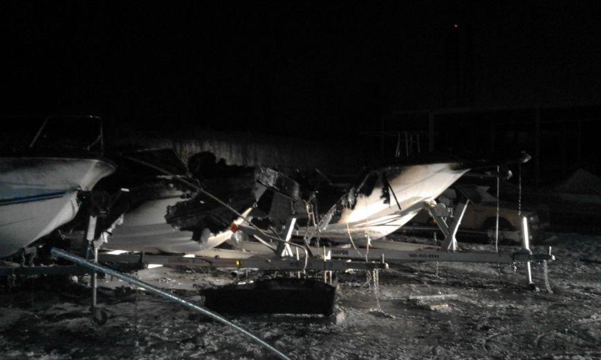 В Киеве ночью сгорели три яхты: подозревают поджог (ФОТО), фото-2