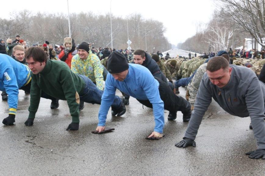 Участие в флешмобе отжиманий принял мэр Чернигова и его заместители, фото-6