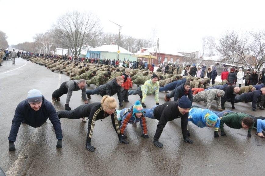 Участие в флешмобе отжиманий принял мэр Чернигова и его заместители, фото-5