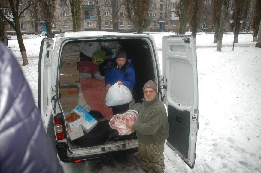 Волонтери Херсонщини доставили гуманітарну допомогу у Авдіївку (фото), фото-3