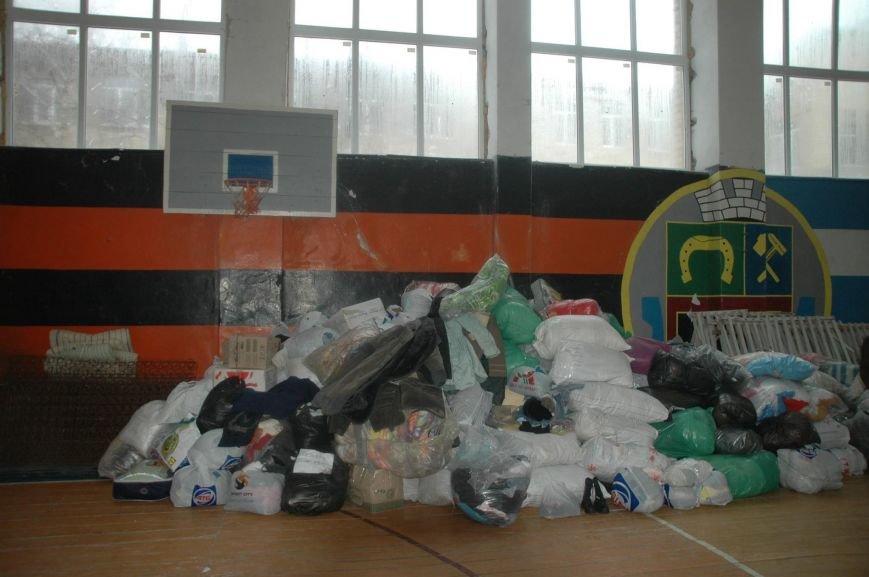 Волонтери Херсонщини доставили гуманітарну допомогу у Авдіївку (фото), фото-4