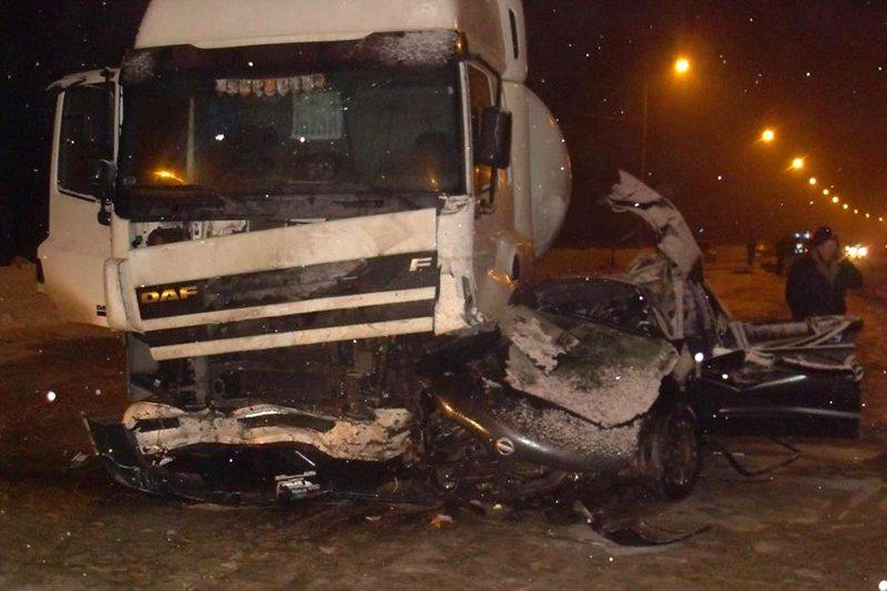 В страшном ДТП под Белгородом погибли муж и жена, ребёнок в больнице, фото-1
