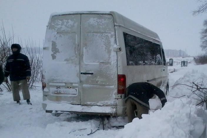 За выходные спасатели Черниговщины освободили из снеговых заносов три автомобиля, фото-1