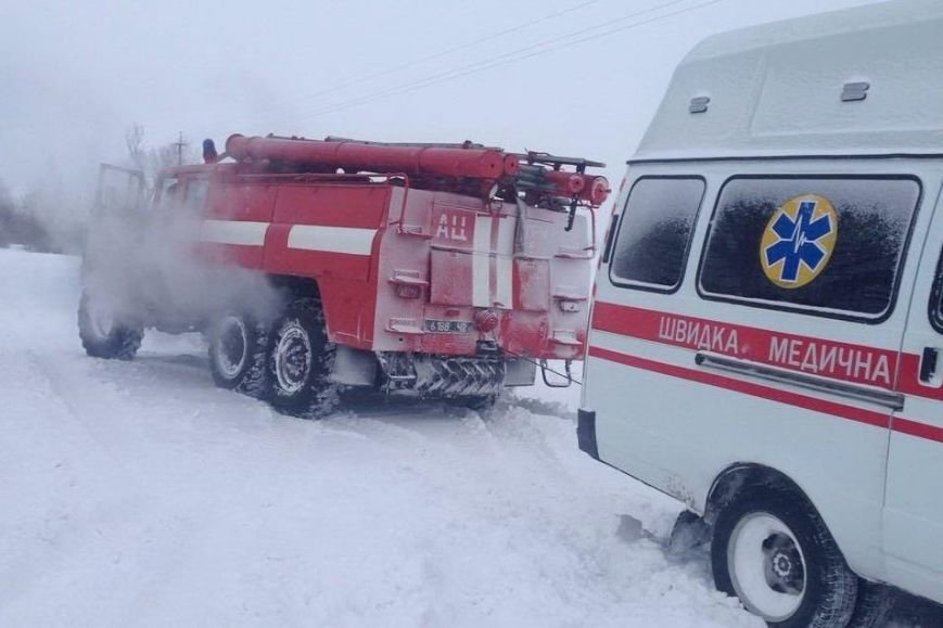 За выходные спасатели Черниговщины освободили из снеговых заносов три автомобиля, фото-3
