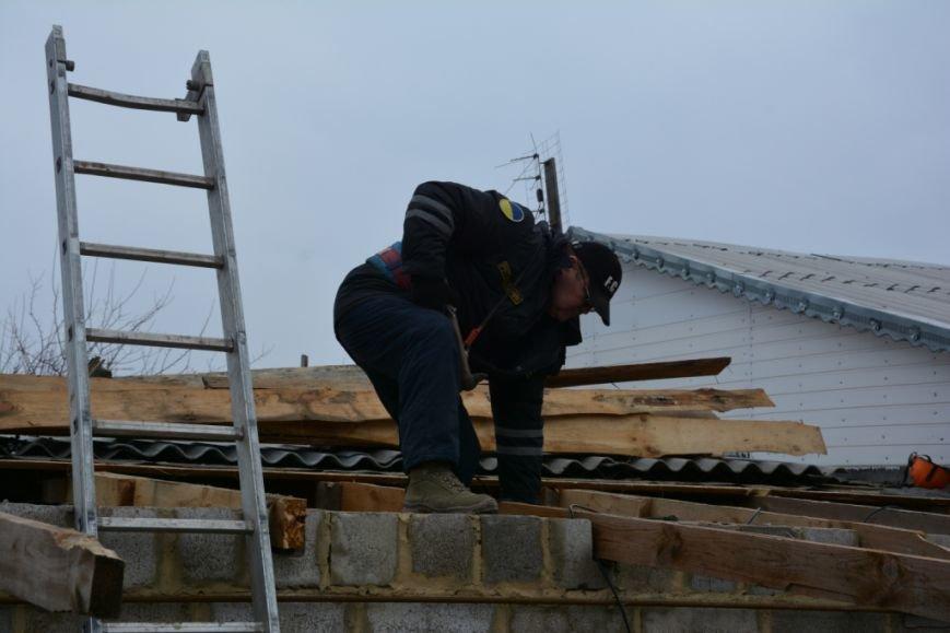 В Сартане  восстанавливают жилье после обстрелов (ФОТО), фото-1