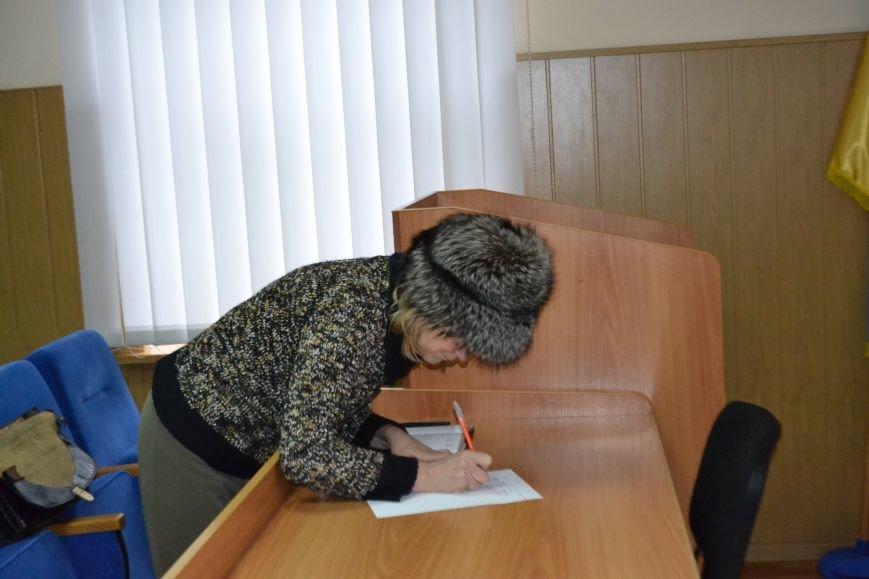 Активисты - прокурору: Мы хотим знать, с какой целью Вы прибыли в Кривой Рог (ФОТО), фото-5