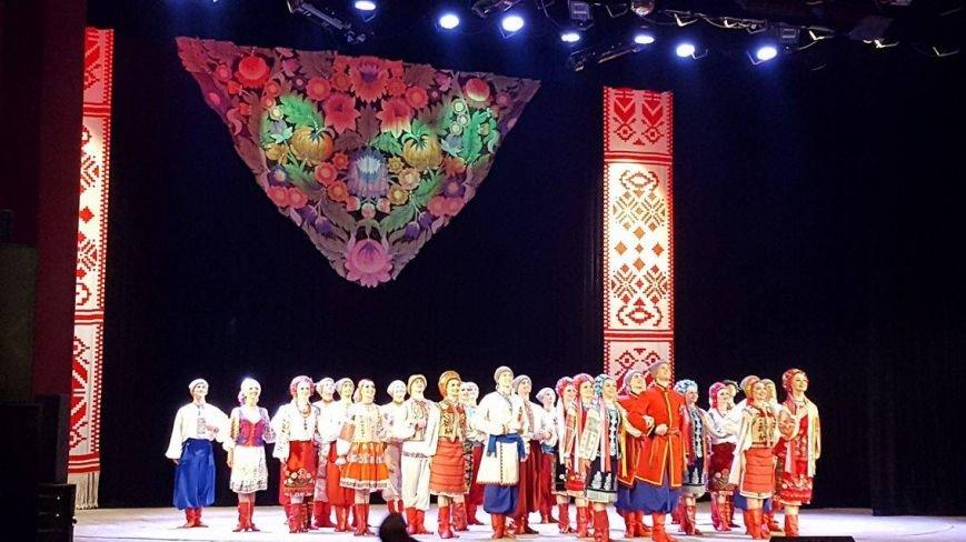 Мариупольцы увидели танцы в исполнении легендарного ансамбля им. Вирского (ФОТО, ВИДЕО), фото-7
