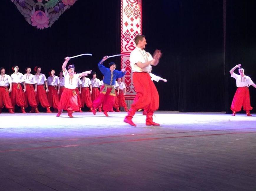 Мариупольцы увидели танцы в исполнении легендарного ансамбля им. Вирского (ФОТО, ВИДЕО), фото-4