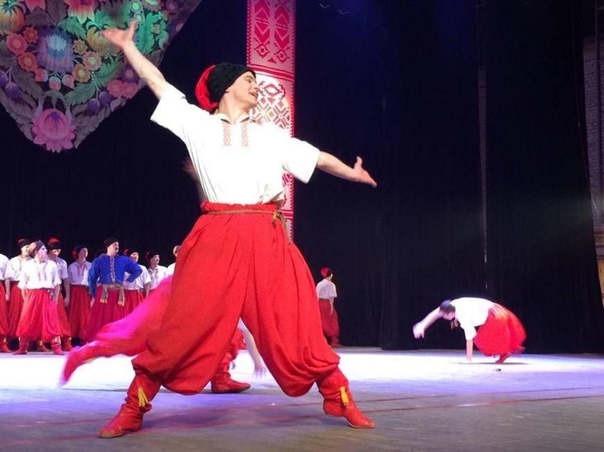 Мариупольцы увидели танцы в исполнении легендарного ансамбля им. Вирского (ФОТО, ВИДЕО), фото-5
