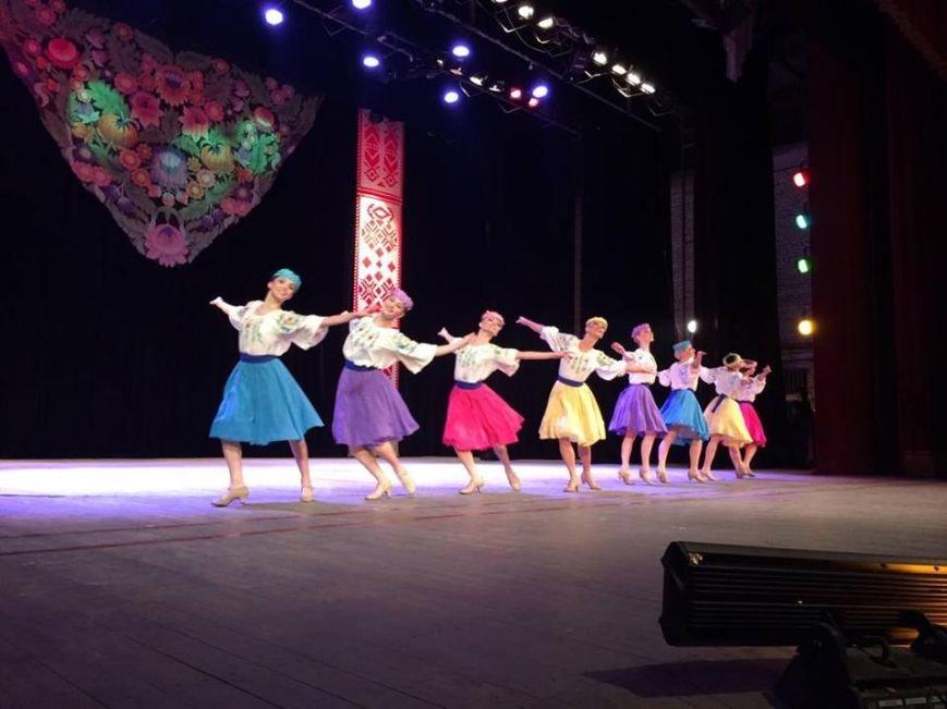 Мариупольцы увидели танцы в исполнении легендарного ансамбля им. Вирского (ФОТО, ВИДЕО), фото-3