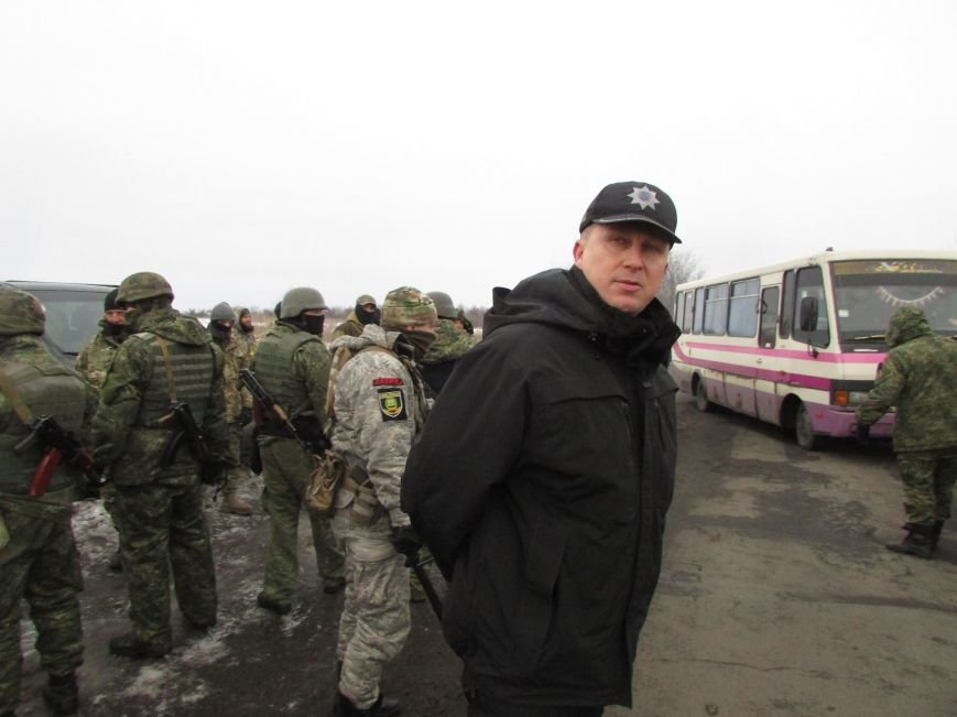 Вблизи Часов Яра попытку заблокировать движение автотранспорта пресекли полицейские (ВИДЕО), фото-1