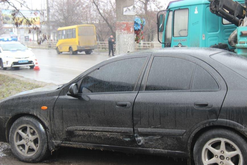 В Херсоне в ДТП пострадали 4 автомобиля. ОБНОВЛЕНО (фото, видео), фото-1
