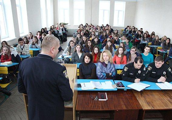 Начальник обласної поліції провів зустріч зі студентами, фото-2