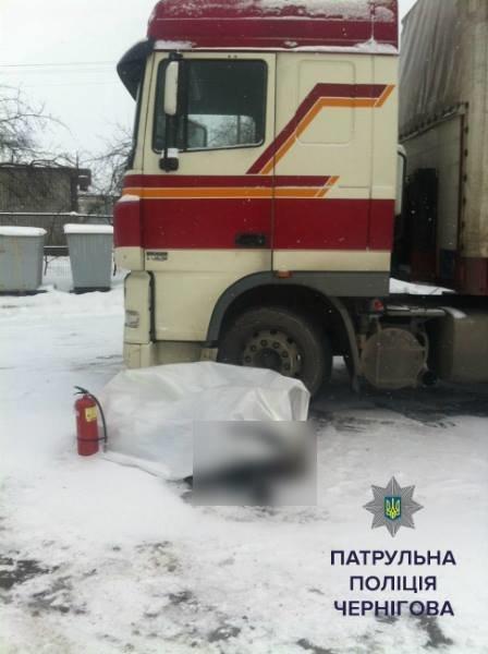 Водитель фуры умер на рабочем месте в Чернигове, фото-1