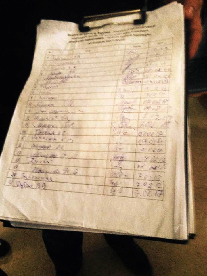В Херсоне за 2 часа собрали более 300 подписей против поднятия тарифа на проезд (фото), фото-1