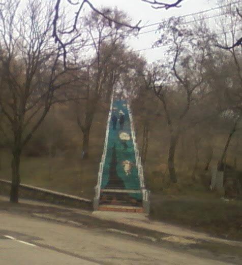 Киевские гости раскритиковали уличные картины Мариуполя (ФОТО), фото-3