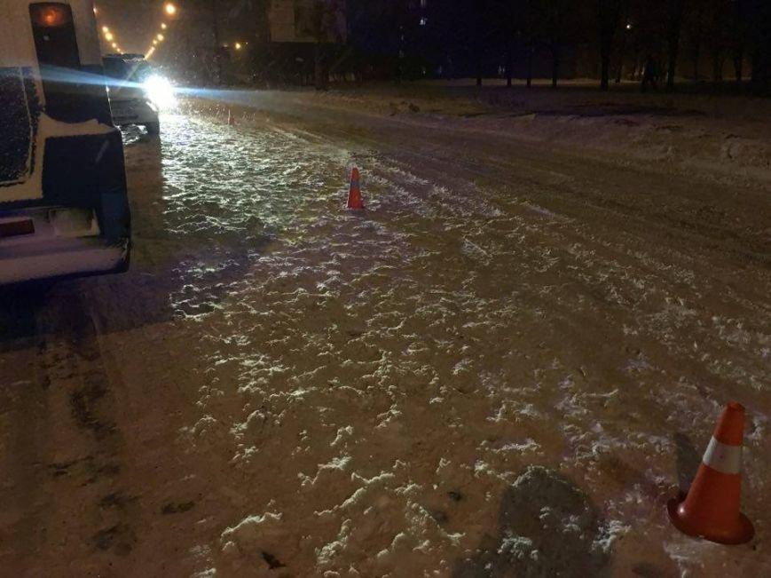 В Кривом Роге автобус сбил женщину прямо на пешеходном переходе (ФОТО), фото-11