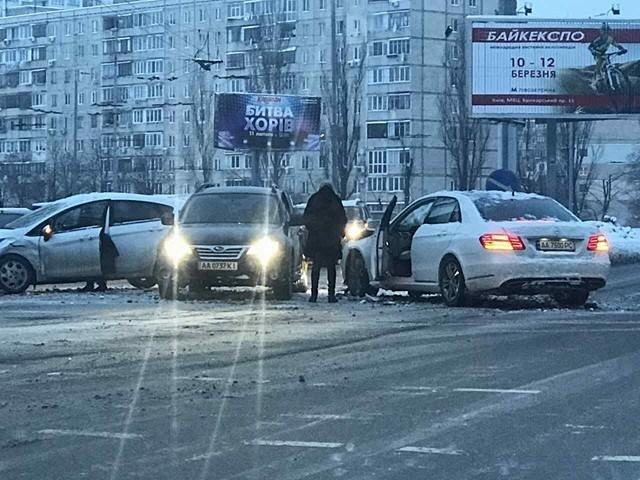 В Киеве девушка на элитном авто устроила масштабное ДТП (ФОТО), фото-1
