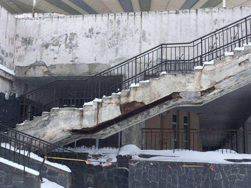 """В Кривом Роге """"заминировали"""" станцию скоростного трамвая (ФОТО), фото-2"""