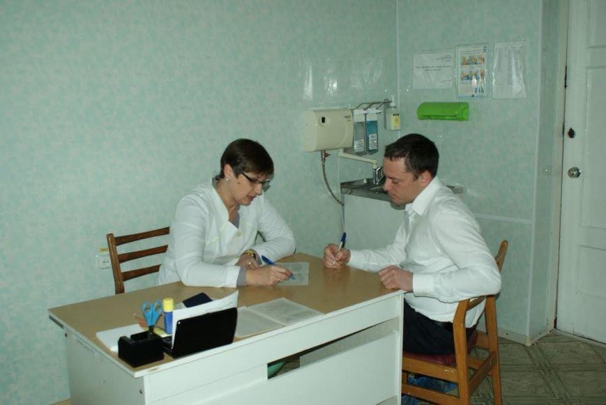 Мэр Каменского сдал кровь для раненых в АТО, фото-8