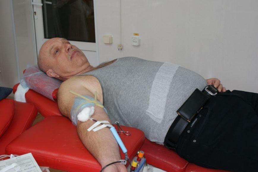 Мэр Каменского сдал кровь для раненых в АТО, фото-1