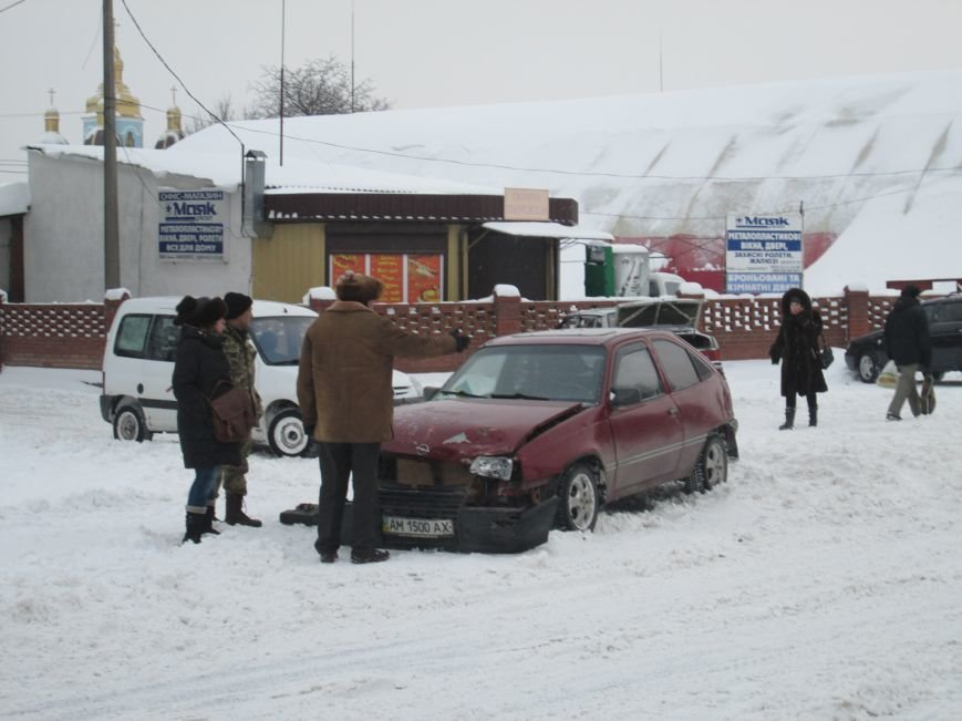 У Новограді-Волинському сталася дорожньо-транспортна пригода (ФОТО), фото-2