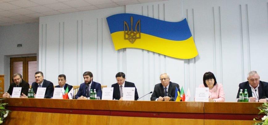 Криворожские ГОКи направят пять миллионов гривен на поддержку инициатив горожан, фото-4