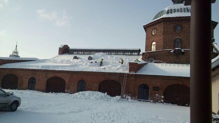 Памятник промышленной архитектуры спасли от снежного плена, фото-1