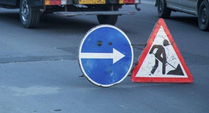 Рух машин в Ужгороді ускладнено: аварійно-ремонтні роботи на Гагаріна тривають, фото-1