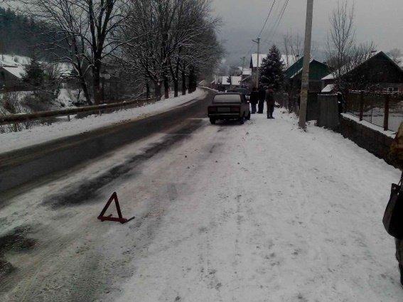 """На Рахівщині водій на """"Жигулях"""" переїхав 7-річну дівчинку, яка перебігала дорогу: фото, фото-2"""