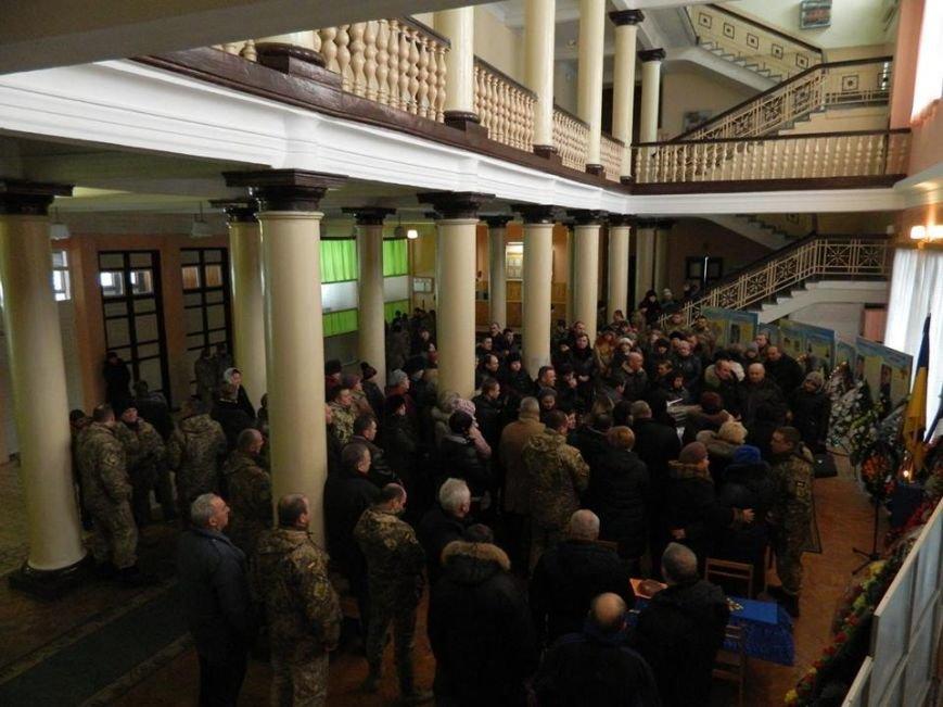 У Новоград-Волинському гарнізонному будинку офіцерів відбулась церемонія прощання з бійцем 30-ї бригади Олегом Бодахом, фото-3