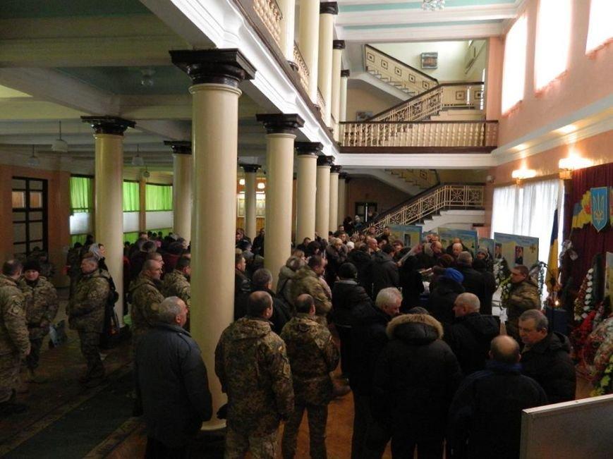 У Новоград-Волинському гарнізонному будинку офіцерів відбулась церемонія прощання з бійцем 30-ї бригади Олегом Бодахом, фото-2