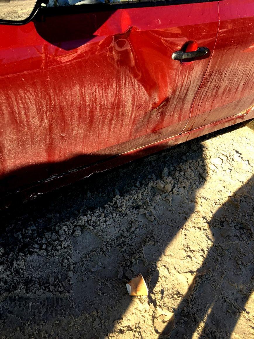 В центре Кривого Рога под колеса грузовика попал криворожанин, пьющий кофе (ФОТО), фото-7