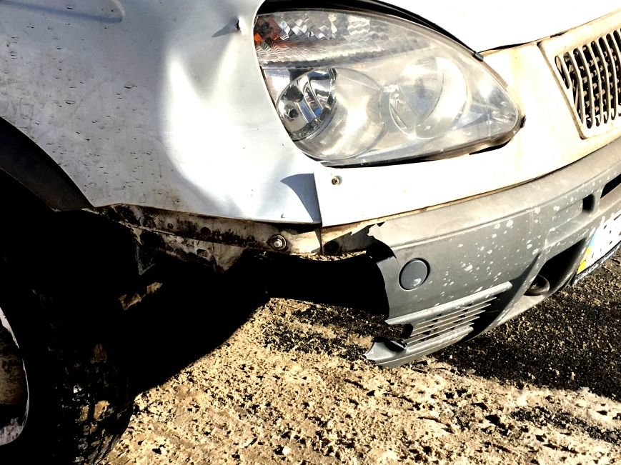 В центре Кривого Рога под колеса грузовика попал криворожанин, пьющий кофе (ФОТО), фото-13