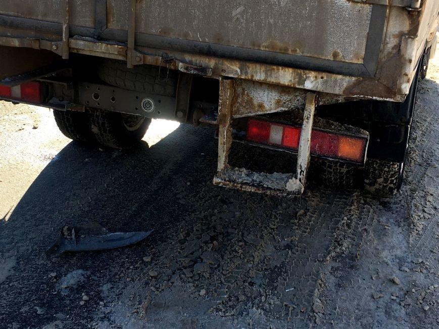 В центре Кривого Рога под колеса грузовика попал криворожанин, пьющий кофе (ФОТО), фото-10