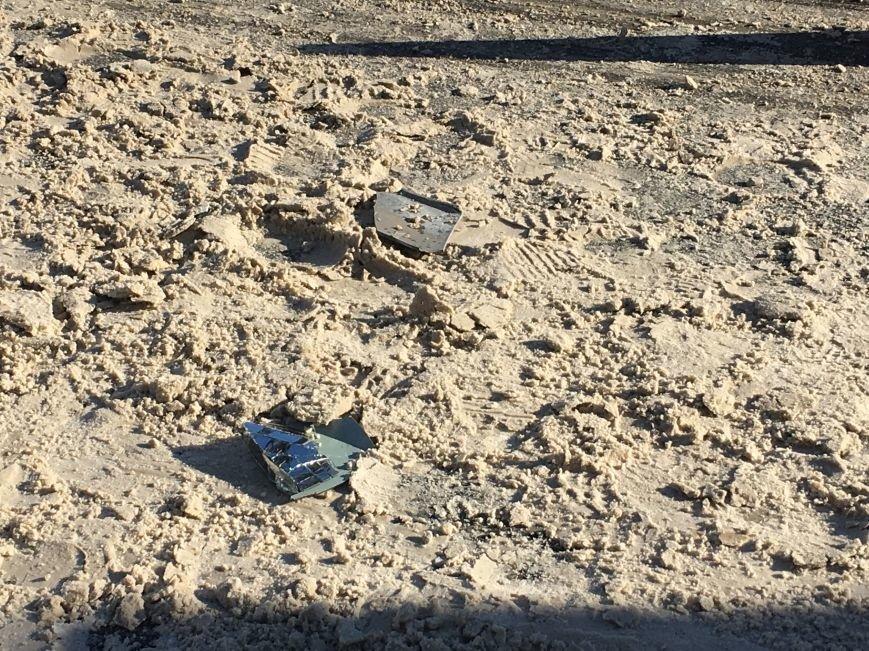 В центре Кривого Рога под колеса грузовика попал криворожанин, пьющий кофе (ФОТО), фото-15