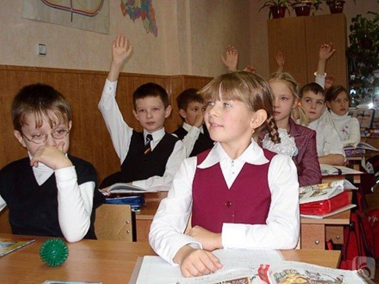 В пятницу в школах Саратова возобновятся занятия, фото-1