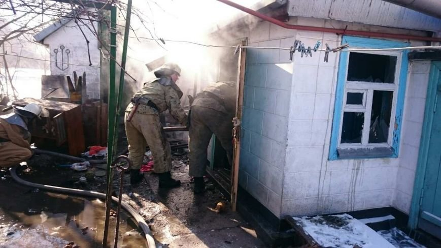 В Каменском тушили пожар на улице Алчевской, фото-3