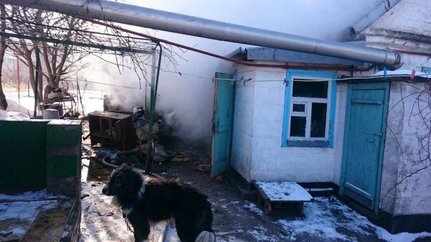 В Каменском тушили пожар на улице Алчевской, фото-2