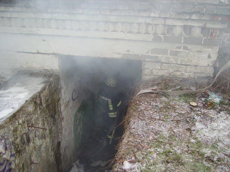 В Херсоні горіла покинута будівля (фото), фото-1