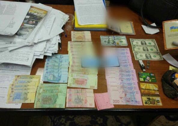 На Днепропетровщине на крупной взятке попался чиновник Геокадастра (ФОТО), фото-3
