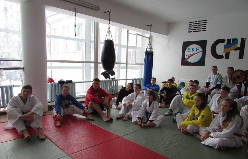 У Новограді-Волинському проходять навчально-тренувальні збори молодіжної збірної команди України з карате, фото-2
