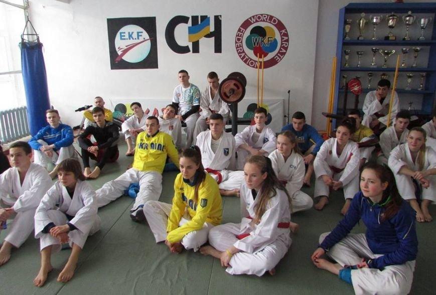 У Новограді-Волинському проходять навчально-тренувальні збори молодіжної збірної команди України з карате, фото-1