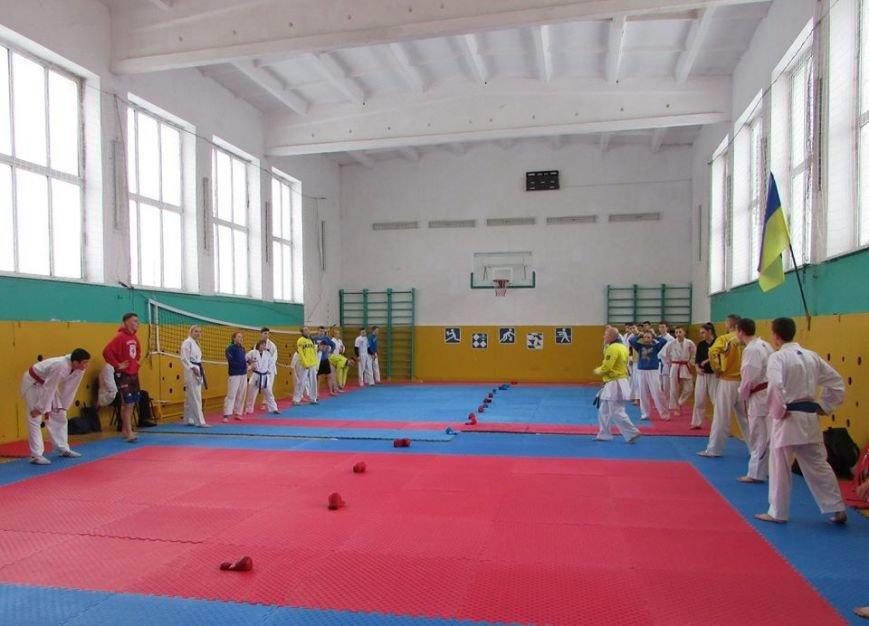 У Новограді-Волинському проходять навчально-тренувальні збори молодіжної збірної команди України з карате, фото-4