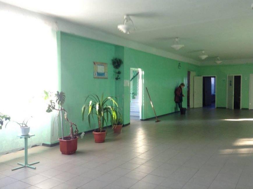 Ученики мариупольской школы, надышавшись неизвестным газом, оказались на больничной койке(ФОТО, ВИДЕО), фото-2