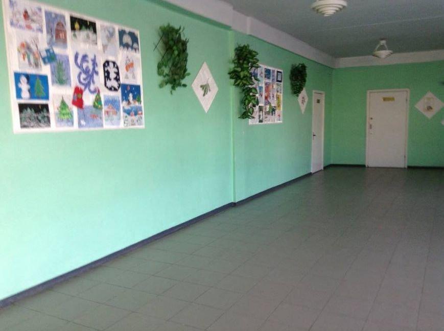 Ученики мариупольской школы, надышавшись неизвестным газом, оказались на больничной койке(ФОТО, ВИДЕО), фото-1