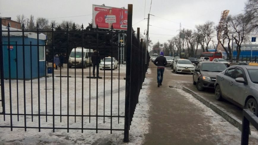 Пригородный автовокзал Ростова-на-Дону обнесли забором, фото-1