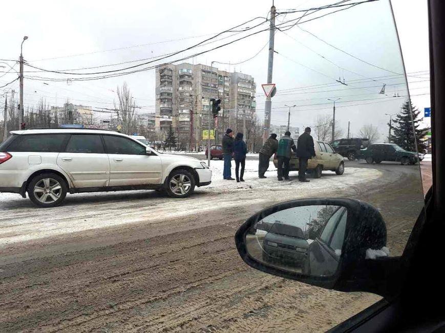 В Мариуполе на заснеженной дороге произошло 2 ДТП (ФОТО), фото-6
