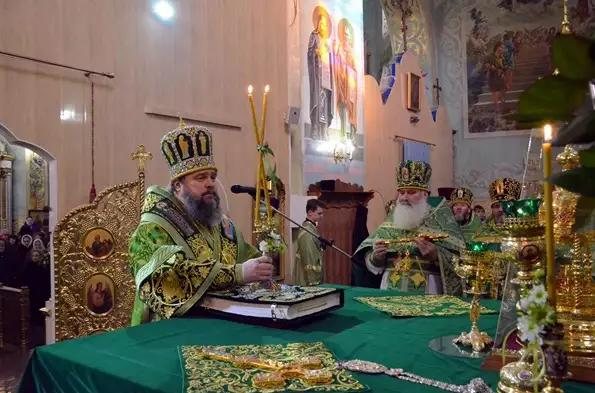 Митрополит Ефрем отметил День Ангела со всей Криворожской епархией, мэром и казаками (ФОТО), фото-5