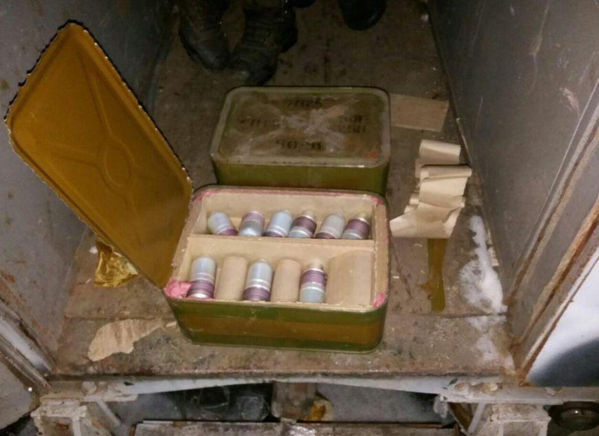 СБУ разоблачила вблизи Бахмута крупный тайник с оружием, фото-9